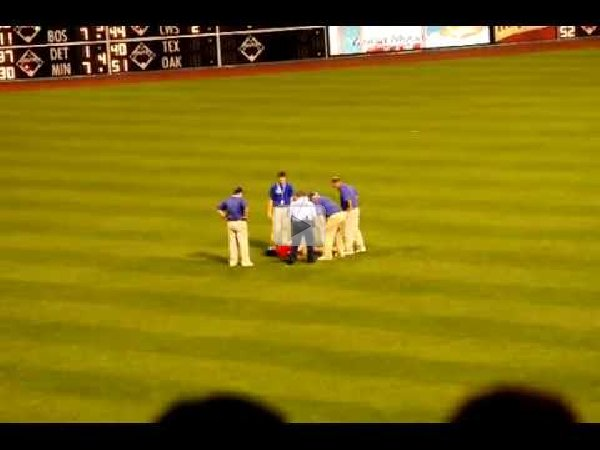 Teen tasered at phillies game
