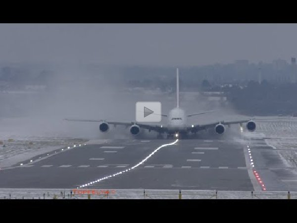 Airbus A380 Extreme weather/crosswind landing and takeoff