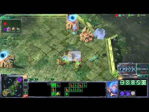 Starcraft2 Gameplay: Protoss vs Zerg